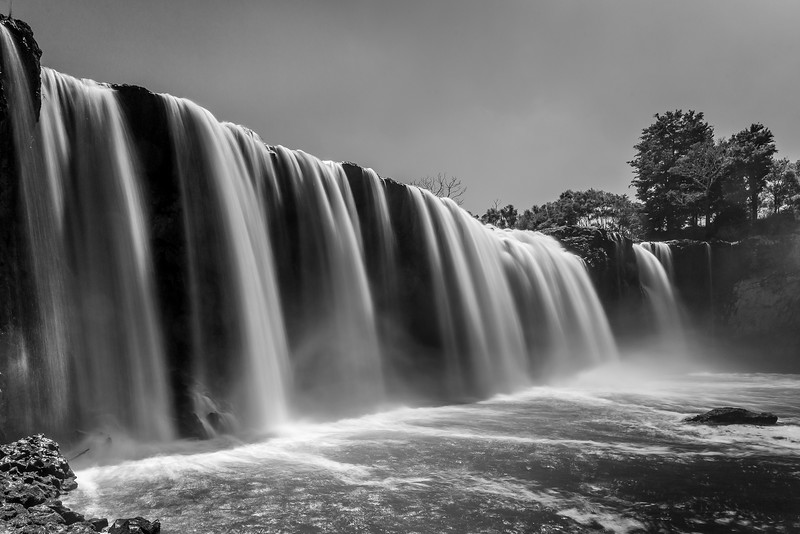 Wairua Falls (schwarzweiss weil das Graufilter Farbartefakte produzierte)