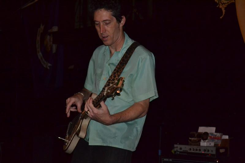 027-the iguanas_14094338500_o.jpg