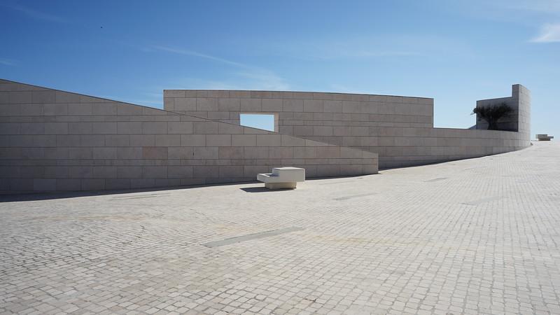 Modern bulding Lisboa (245).JPG