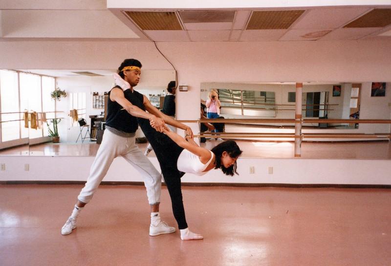 Dance_2345_a.jpg