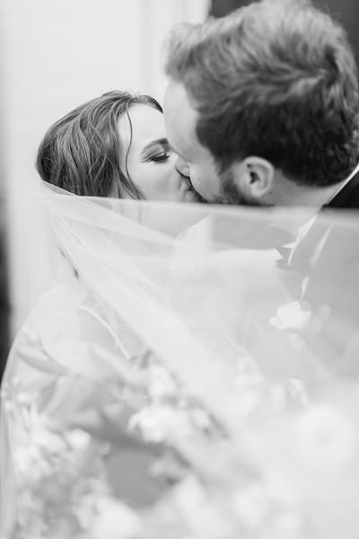 440_Ryan+Hannah_WeddingBW.jpg
