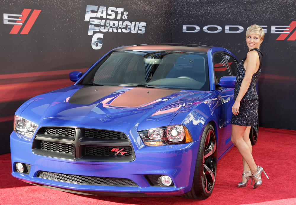 """. Cast member Elsa Pataky poses at the premiere of the new film, \""""Fast & Furious 6\"""" at Universal Citywalk in Los Angeles May 21, 2013. REUTERS/Fred Prouser"""