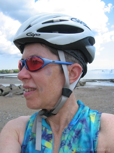 Wow, I think I'm finally back to myself! Today was my 4th day in a row of riding: 22 miles on Friday, 42, 47, and 54 miles on the weekend days. This shot was taken in Beverly, MA, on May 30th 2005.