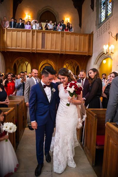 Montreal_Wedding_Photographer_McGill_Chapel_Entrepot_Dominion_Montreal_Quebec_Lindsay_Muciy_Photography_Luan&Venessa_FINAL_EX (31).JPG