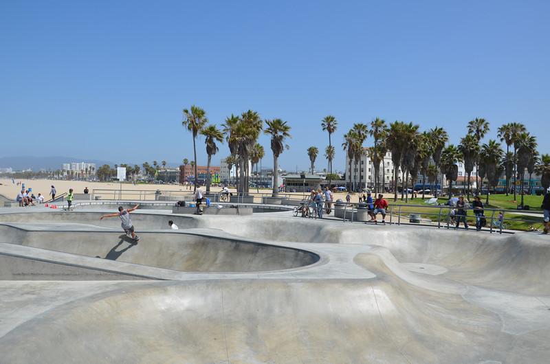 DSC_2473-venice-beach-skate-bowl.JPG
