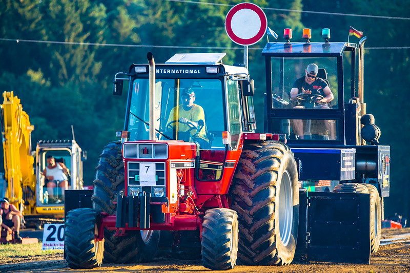 Tractor Pulling 2015-01643.jpg