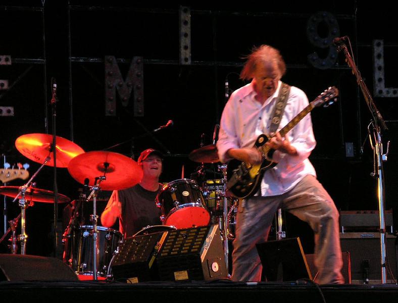 Neil Young Rock Werchter 4-7-08 (168).jpg