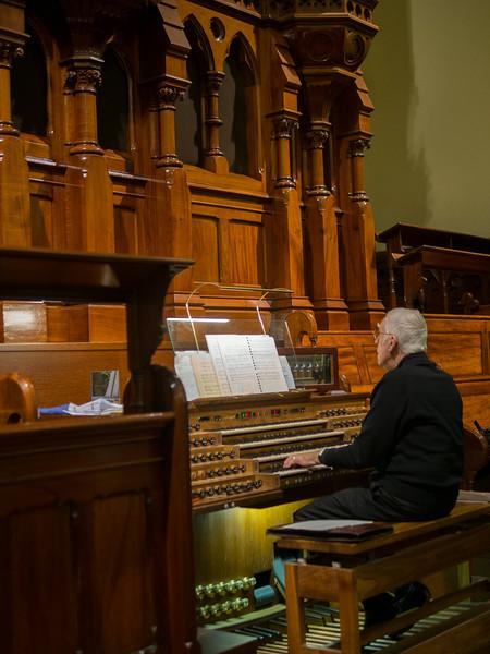 Organ player at Scots' Church