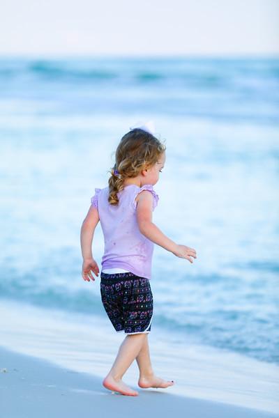 Harper at the beach-27.jpg