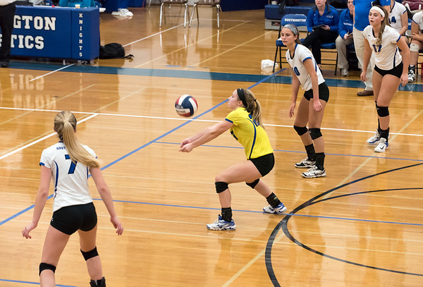 10/30/18 Wesley Bunnell | Staff Southington girls volleyball was defeated 15-10 in the 5th set by Farmington in a 2nd round CCC Tournament game on Tuesday night at Southington High School. Haley Larrabee (7), Lynsey Danko (27), Jenna Martin (10) and Brooke Cooney (17).