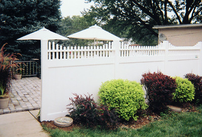 Montauk Point Stepped Fence Gallery