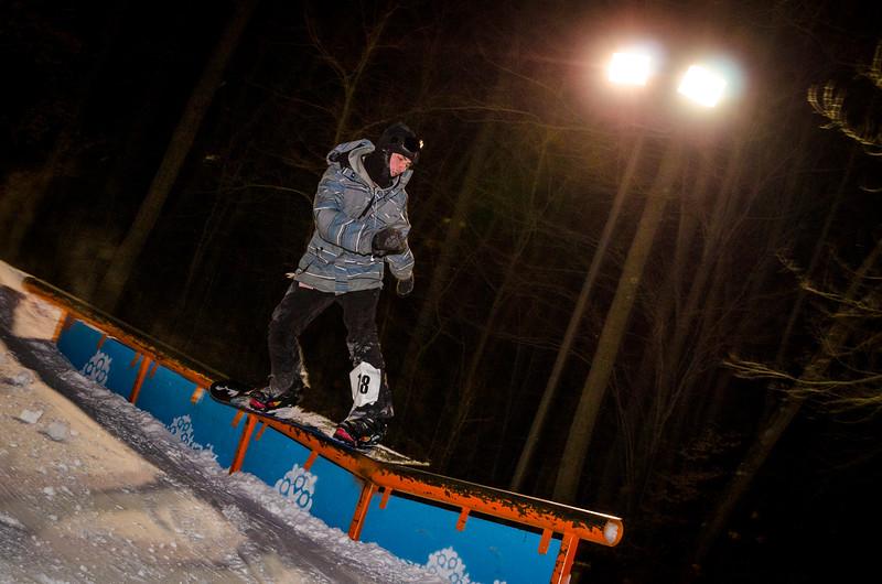 Nighttime-Rail-Jam_Snow-Trails-186.jpg