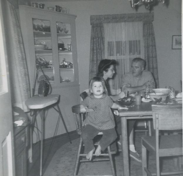 Gurleyville diningroom082.jpg