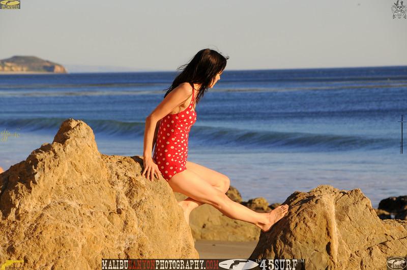 matador swimsuit malibu model 633.456.56.jpg