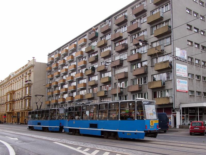 P7094046-tram.JPG