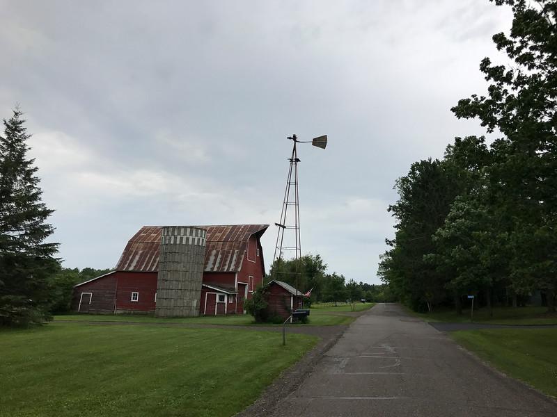 Cabin 7946.jpg