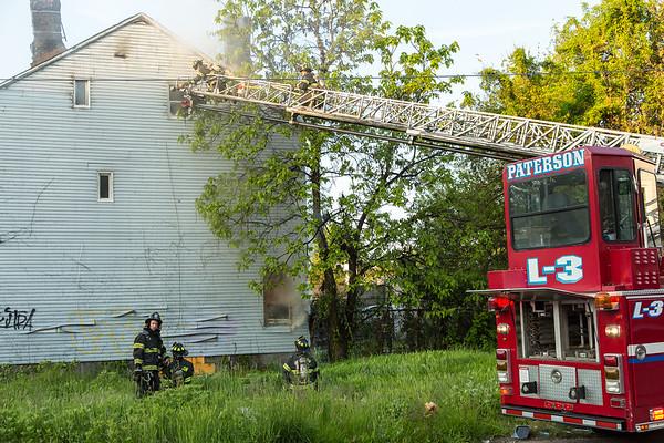 Paterson NJ W/F 52 Paterson St, 05-12-17
