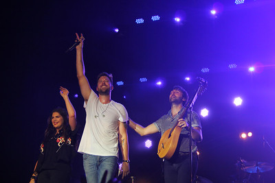 Reflections Of Lady Antebellum In Concert Nashville TN - Let Freedom Sing (4th Of July)