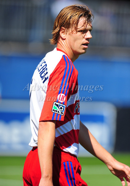 29, March 2009:  FC Dallas midfielder Dave van den Bergh #7 in action during the soccer game between FC Dallas & Chivas USA at the Pizza Hut Stadium in Frisco,TX. Chivas USA  beat FC Dallas 2-0.Manny Flores/Icon SMI