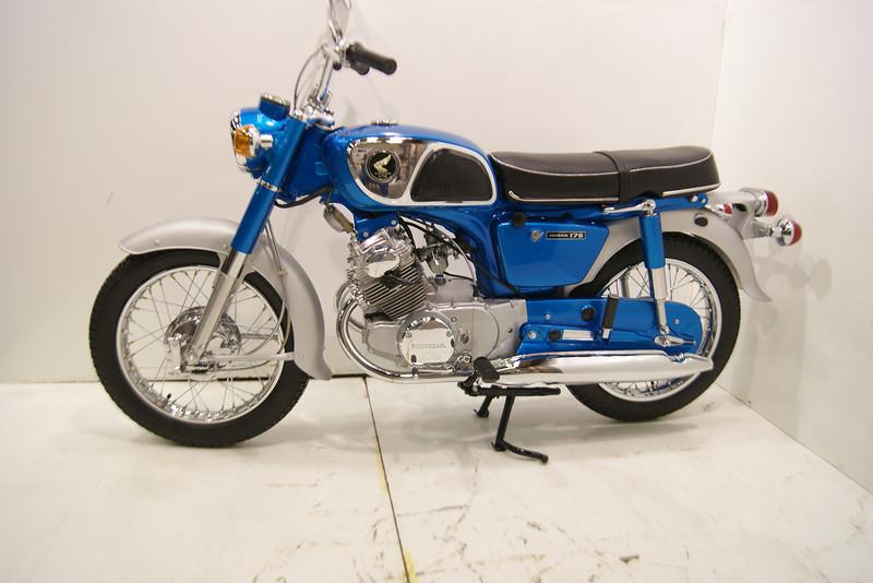1968 CD175 11-12 022.JPG