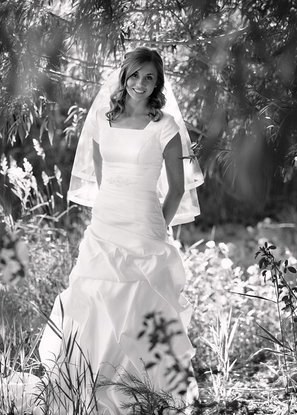 Amy Bridals 053bw.jpg