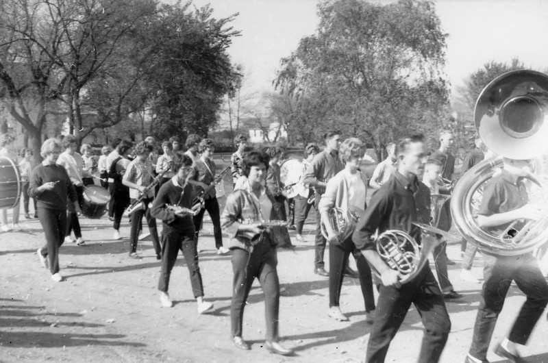 AR066.  Marching band – Arthur parade – 1963.jpg