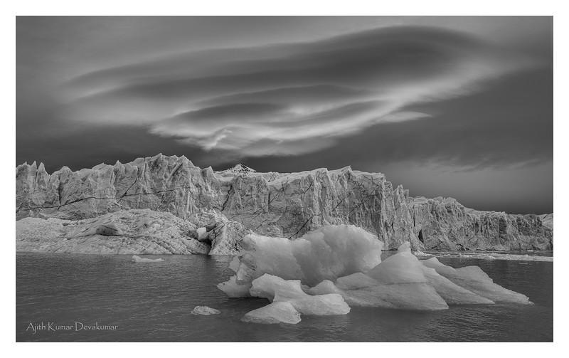 Glacier-Lenticular-B&W-Web.jpg