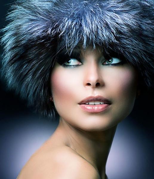 61824b0c0a72b1fe1b91e5f21caf8083--fur-hats-woman-portrait.jpg