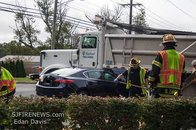 09/26/2017, Commercial MVC, with Entrapment, Vineland City, (Cumberland County NJ), Elm Rd. and S Orchard Rd .