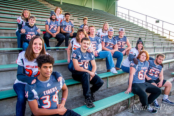 10.30.19 Football Seniors and Moms