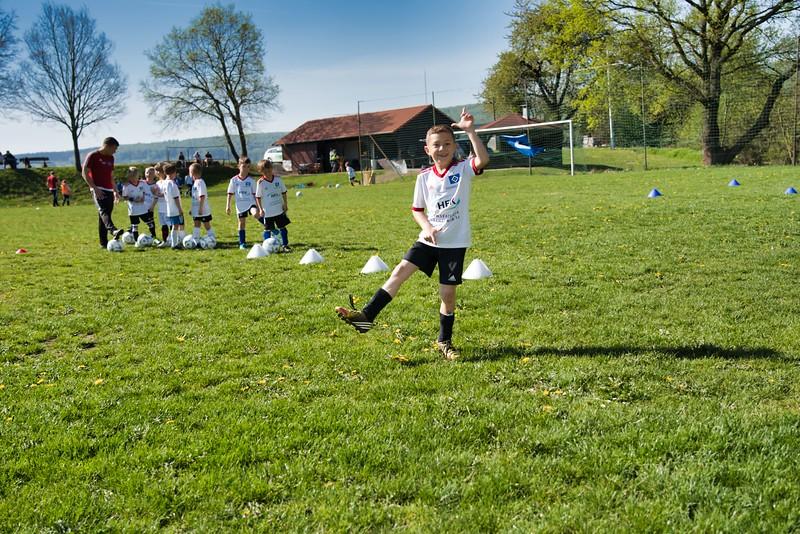 hsv-fussballschule---wochendendcamp-hannm-am-22-und-23042019-u57_40764452243_o.jpg