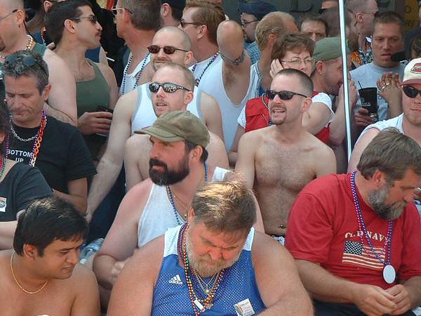 Pride Parade 2001-56-1.jpg
