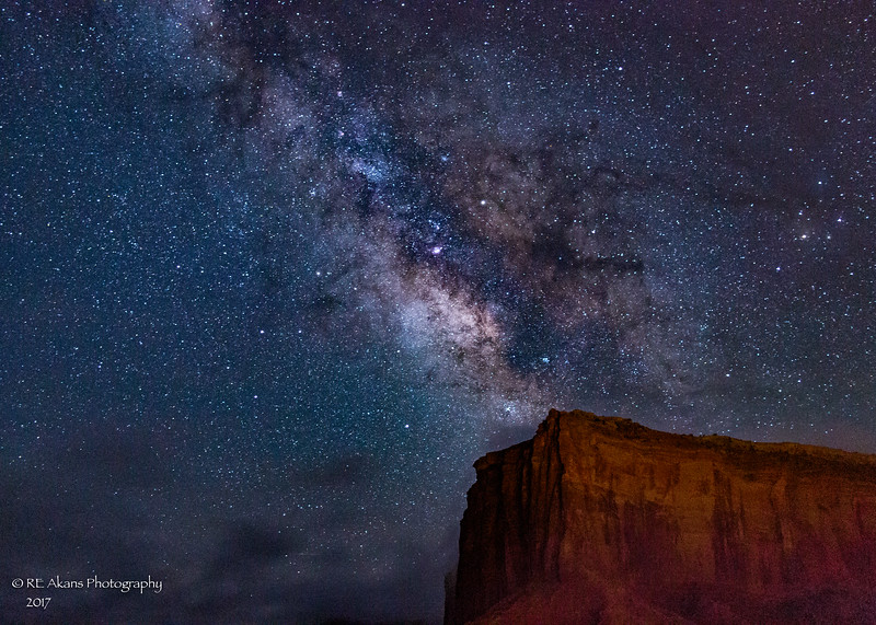 Monument Valley Milky Way 7428.jpg