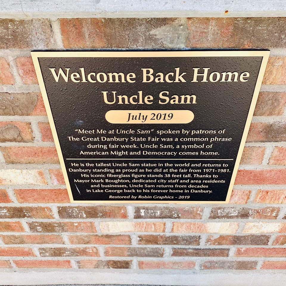 The World's Tallest Uncle Sam in Danbury, Connecticut - Plaque