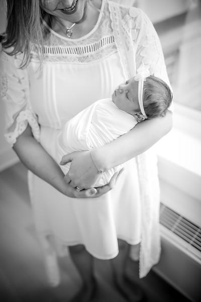bw_newport_babies_photography_hoboken_at_home_newborn_shoot-5215.jpg