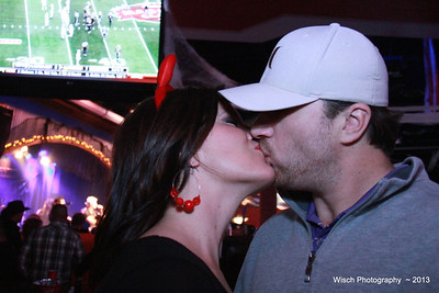 KissCam Toby Keith's Oct 26th, 2013