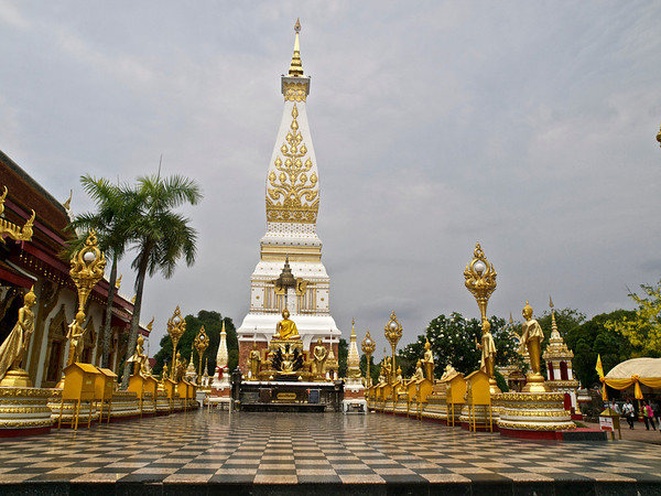 Wat Phra That Phenom