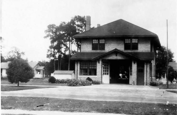 1928-Riverside Fire Station-Rossell and Stockton.jpg