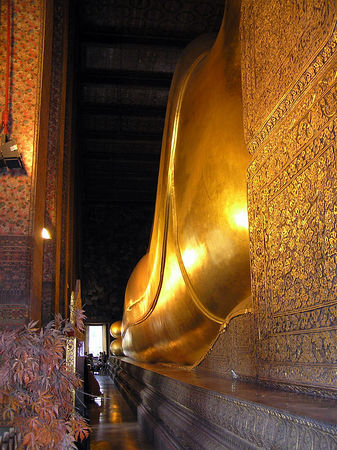 Bangkok - Reclining Buddha (Wat Pho) January 2006