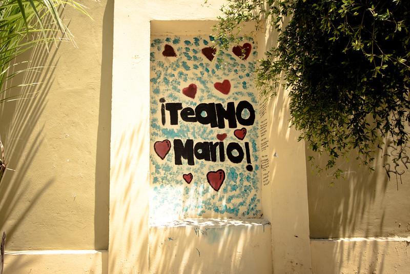 graffiti te amo mario.jpg