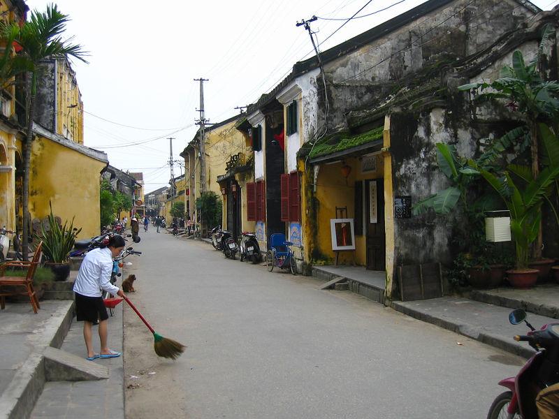 unique streets of hoi an