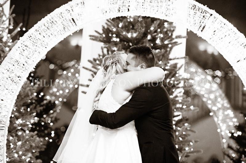 Hillary_Ferguson_Photography_Melinda+Derek_Ceremony109.jpg