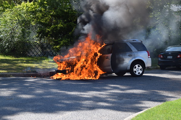 5.26.20-Brentwood FD-Car Fire-Spur Drive North & Rye Court