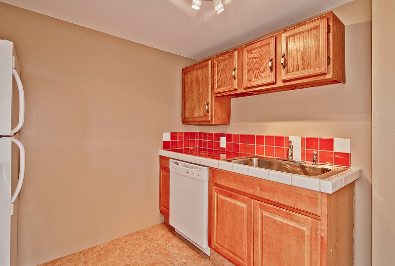 kitchen bsmt.jpg