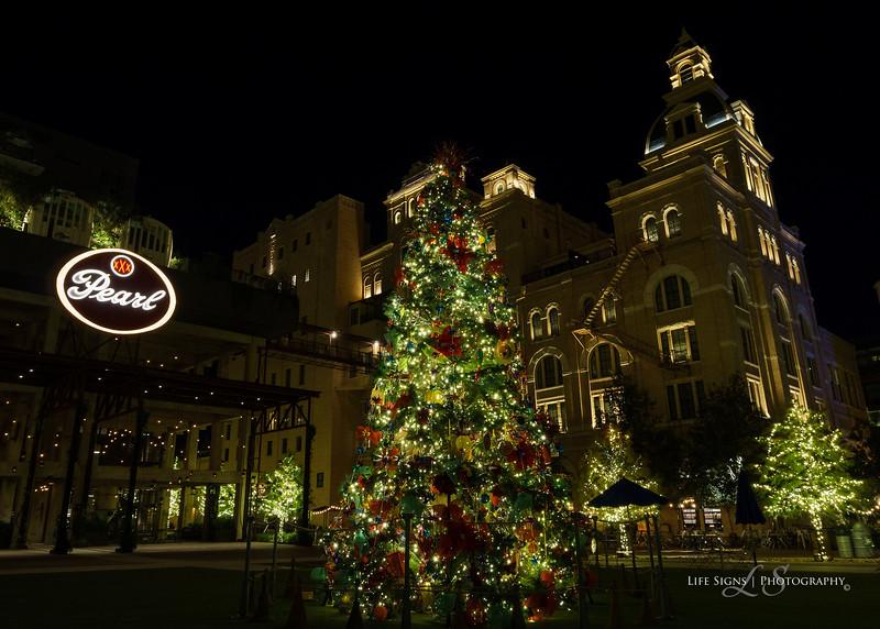 LS-Holiday-Lights-2017-10-4.jpg