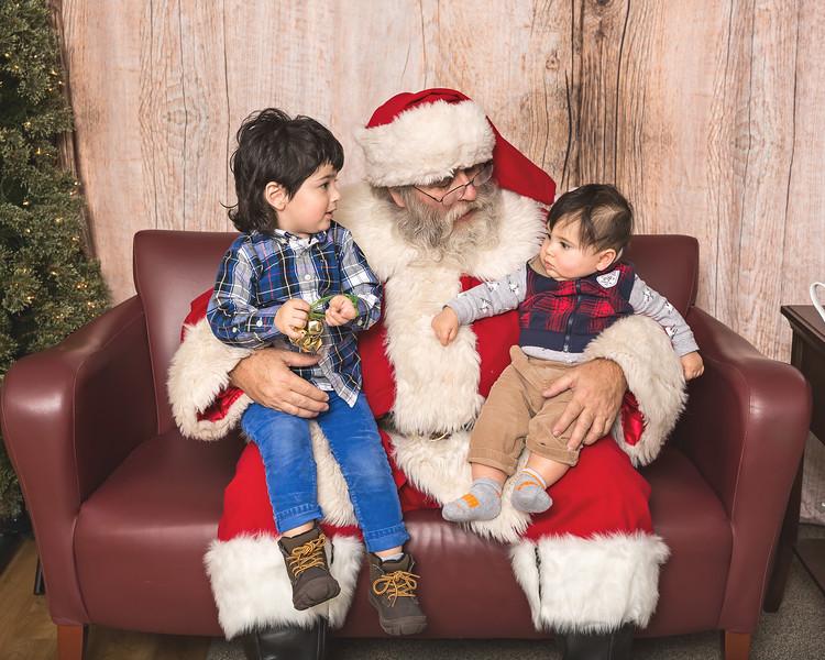Ameriprise-Santa-Visit-181202-4997.jpg