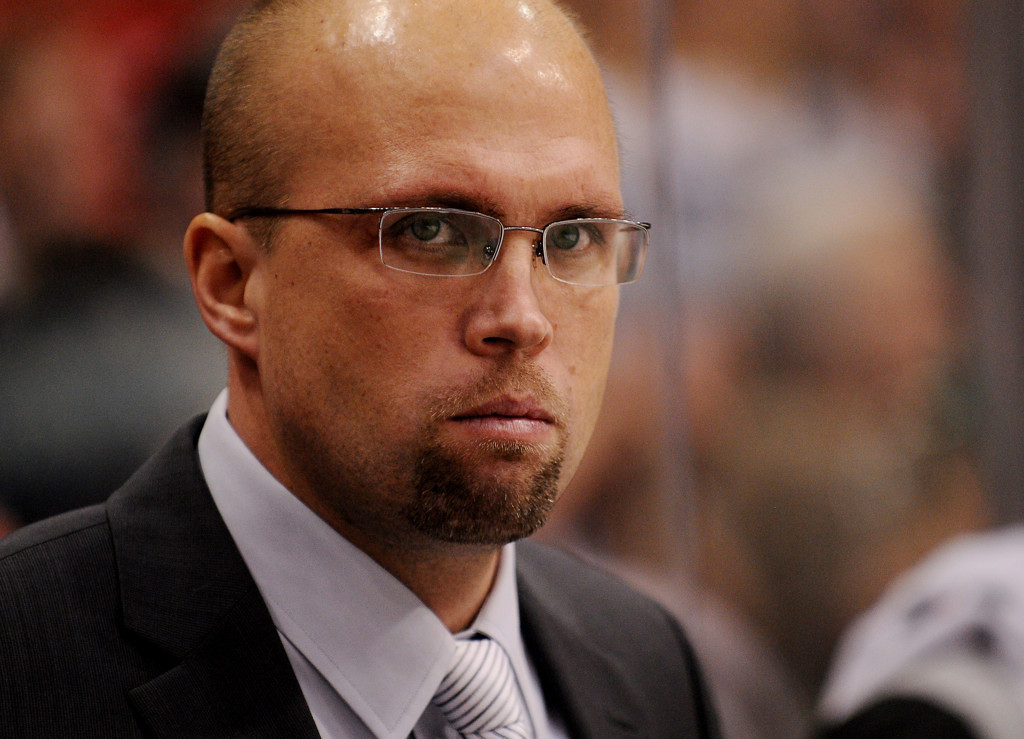 . Minnesota head coach Mike Yeo watches from the bench as the Wild play Chicago in the third period. (Pioneer Press: John Autey)