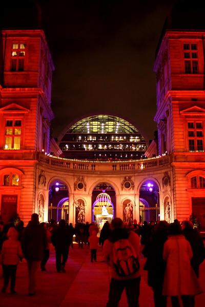 2010-12-10 Fête des lumières Leï 50D+Sigma24F1.8