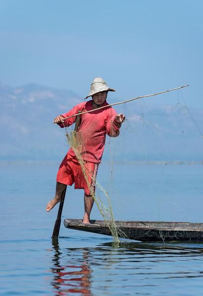 Leg-rowing Intha fisherman on Inle Lake, Burma (Myanmar)