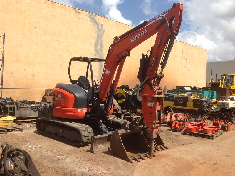 NPK PH3 hydraulic hammer on Kubota mini excavator (2).JPG